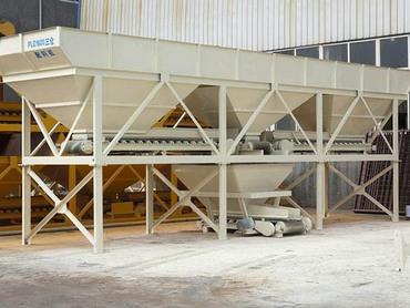 <b>PLD1600混凝土配料機</b>