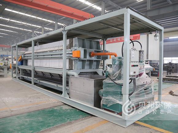 Vehicle-mounted membrane filter press