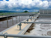 What kind of wastewater staff training and other services can BBNEP provide?