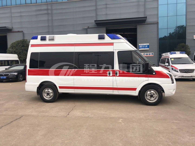 348型福特全順監護型救護車4
