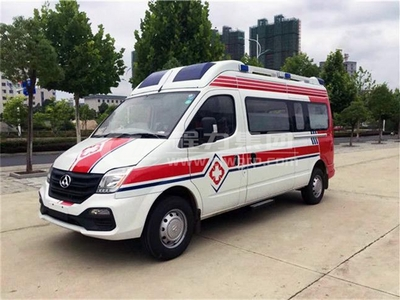 上汽大通V80監護型救護車