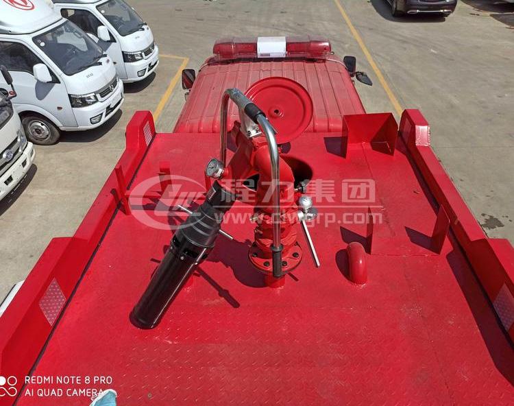 東風多利卡2.5噸水罐消防車3