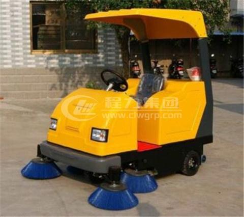 <b>LTF-1860型電動駕駛式掃地機</b>