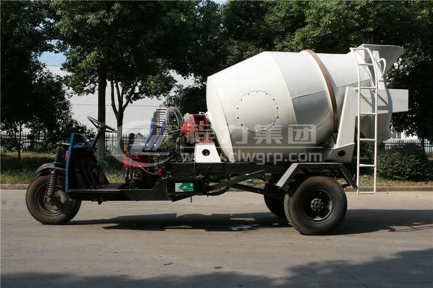 農用三輪1.5方水泥攪拌車
