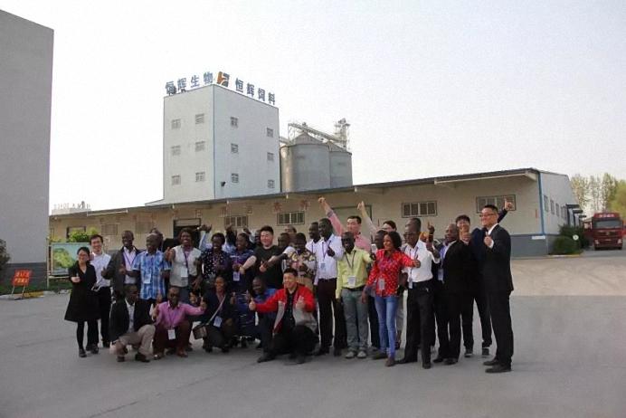 非洲商务考察团莅临参观,龙昌机械备受赞赏!