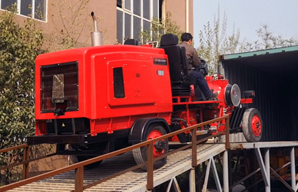 TATU brand large driving type cold paint road marking machine exported to Greece