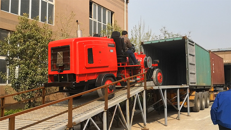 Tiantu brand large ride-type normal temperature road marking machine exported to Greece