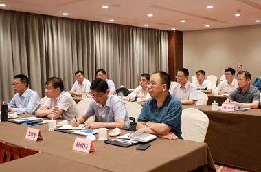 Kaifeng city relevant departments to participate in the signing ceremony