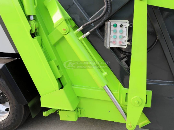 Hydraulic Lifting Safety Circuit of isuzu garbage truck